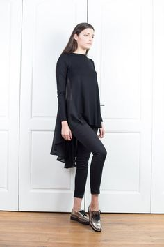 Black Top With Flare Back Asymmetrical Tunic Top Chiffon Asymmetrical Tops, Long Sleeve Tunic, Blouses For Women, Plus Size Outfits, Black Tops, Manga, Chiffon Tops, Normcore, Ruffle Blouse