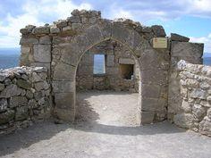 Os invitamos a pasear por el Castillo de Morella. #historia #turismo  http://www.rutasconhistoria.es/loc/castillo-de-morella