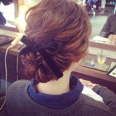 海外花嫁に人気の髪型♡ねじるだけで可愛いツインバトンのやり方 | marry[マリー]