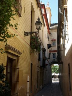 Callejón Dos Hermanas, Sevilla.