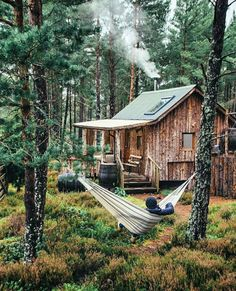 Want to experience the goodness of living in a country-style house and away from the city, and if you love hands-on, log cabin kits is the solution. Tiny House Cabin, Log Cabin Homes, Log Cabins, Cabin In The Woods, Little Cabin, Forest House, Cabins And Cottages, Cozy Cabin, My Dream Home