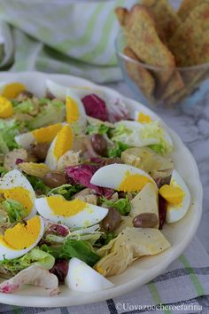 L'insalata di pollo arrosto è l'idea gustosa per utilizzare gli avanzi dopo il pranzo domenicale; è veloce da preparare e mette d'accordo tutta la famiglia! #PinterestxAltervista