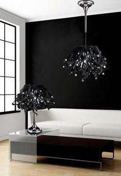 Lámparas modernas modelo KOORALBYN. Colgante cromado y grafito negro, con pantalla de chenilla negra y cristal de SWAROVSKI. Disponible en dos tamaños.