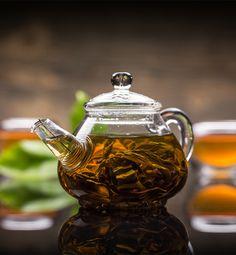Multi dintre noi consumam frecvent ceai, insa cat de mult am patruns in istoria acestuia? Uite cateva lucruri pe care probabil ca nu le stiai despre ceai - https://www.landoftea.ro/lucruri-pe-care-nu-le-stiai-despre-ceai