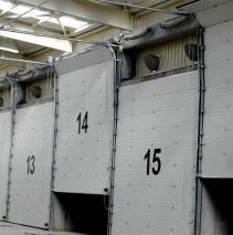 Las #puertas de #compostaje #seccionales de #AngelMir se adaptan a todo tipo de estilos y condiciones de uso. Están formadas por una serie de paneles que se elevan mediante unas guías laterales y compensados mediante un sistema de resortes. Su funcionamiento es suave y silencioso con un mínimo rozamiento. De gran aislamiento y estanqueidad. No ocupan superficie interior. No reducen el hueco útil. No necesitan grandes espacios laterales. No invaden la calzada exterior #door #compostingdoor