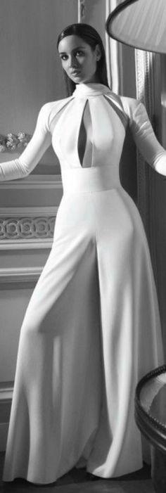 James Bond Skyfall Girl Bérénice Marlohe photographed by Benjamin Kanarek for Harper´s Bazaar Espanol White Fashion, Look Fashion, Womens Fashion, Jumpsuit Elegante, Wedding Robe, Wedding Jumpsuit, Modelos Fashion, White Jumpsuit, White Pantsuit
