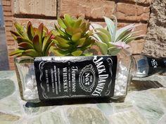Jack Daniels Drinks, Jack Daniels Bottle, Tequila Bottles, Tequila Drinks, Whiskey Bottle Crafts, Peach Drinks, Plants In Bottles, Plastic Bottle Crafts, Custom Glass