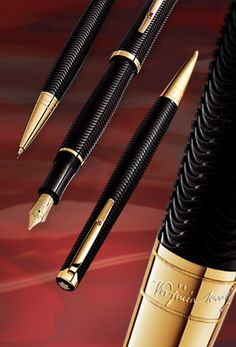 """The Montblanc limited edition """"Virginia Woolf"""" pen. Graf Von Faber Castell, Luxury Pens, Fine Pens, Stationery Pens, Best Pens, Dip Pen, Writing Pens, Pencil And Paper, Fountain Pen Ink"""