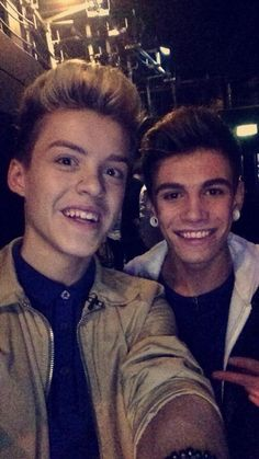 Reece and Jake Jake Sim, Reece Bibby, New Hope Club, My World, My Boys, Sims, Fangirl, How To Look Better, Take That
