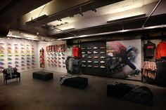 Apparel, Shoes, large format graphics Converse: Flagship Store en San Francisco