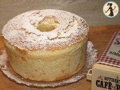 La chiffon cake è una torta soffice, genuina e semplice, una nuvola di bontà, esiste uno stampo apposito per farla e si prepara in poco tempo Torte Cake, Cake & Co, Cake Cookies, Cupcake Cakes, Cupcakes, Torta Chiffon, Molly Cake, American Cake, Plum Cake
