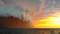Narellen edellä on kulkenut näyttävä punainen hiekkamyrsky.