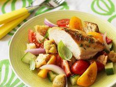 Hähnchenbrust vom Grill mit Brotsalat ist ein Rezept mit frischen Zutaten aus der Kategorie Hähnchen. Probieren Sie dieses und weitere Rezepte von EAT SMARTER!