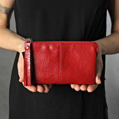 red leather zipper wallet for women Soft Leather Handbags, Brown Leather Wallet, Grey Leather, Leather Bag, Lucky Colour, Wallets For Women, Crossbody Bag, Shoulder Bag, Red