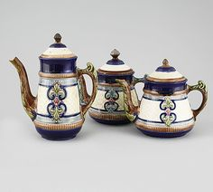 A majolica coffee pot and two tea pots from Gustavsberg, turn of the century - Bukowskis Sugar Bowl, Bowl Set, Tea Pots, Coffee, Tableware, Design, Velvet, Kaffee, Dinnerware