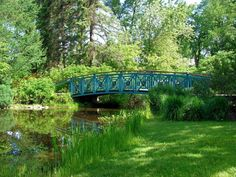 Le petit pont sur l'étang au parc du Bois de Coulonge à Québec.