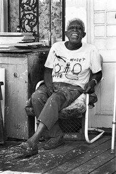 Photo Credit: Jerry Siegel. The son of sharecroppers, self-taught painter Mose Tolliver passed away in 2006 (Montgomery, Alabama)
