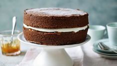 You can always trust in a Mary Berry cake recipe and these are her easiest ever. Whatever your favourite cake, Mary Berry is sure to have an easy version for you. Mary Berry Chocolate Cake, Chocolate Sponge Cake, Chocolate Cake Recipe Easy, Chocolate Victoria Sponge Cake, Chocolate Cakes, Cake Recipes Bbc, Sponge Cake Recipes, Dessert Recipes, Mary Berry Cake Recipes