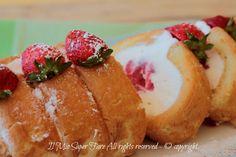 Tiramisù arrotolato fragole e crema bianca ricetta furba ! Dolce senza cottura facile e veloce.Un semifreddo dal gusto delicato con una base di savoiradi