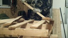 Easy way to break apart pallets. Tried several things, and this one worked best.