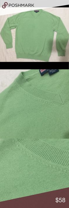Cashmere Sweater- Vineyard Vines- Green Vineyard Vines- Green Cashmere Sweater- only worn once!!!!! LIKE NEW!! It is so warm and so soft, perfect for cold winter days- IT IS A MENS SWEATER but I love wearing loose sweaters. It's perfect with black skinny jeans! Size Medium. No piling, 🌟 100% Cashmere!!  $58 or Best Offer! Vineyard Vines Sweaters V-Neck