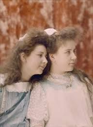 Autochrome and Suzanne. That. 1909. Autochrome Light.