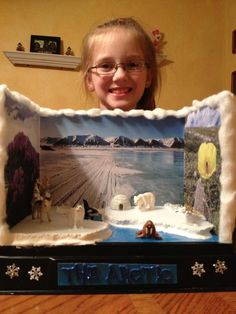 My daughters Arctic Diorama! My daughters Arctic Diorama! Class Projects, Science Projects, School Projects, Projects For Kids, Arctic Habitat, Bear Habitat, Ecosystems Projects, Colegio Ideas, Polo Norte