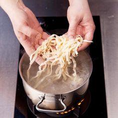 Recept : Domácí těstoviny   ReceptyOnLine.cz - kuchařka, recepty a inspirace Coconut Flakes, Spices, Food, Spice, Essen, Meals, Yemek, Eten