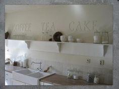 LOVE this kitchen !!!!!