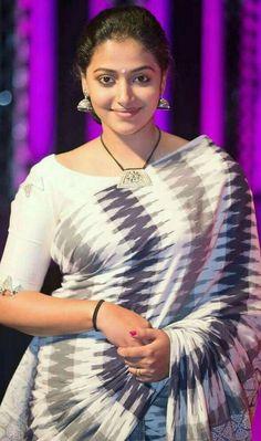 Panache in Saree ! Beautiful Girl Indian, Beautiful Girl Image, Most Beautiful Indian Actress, Beautiful Saree, Beautiful Actresses, Gorgeous Women, Beauty Full Girl, Beauty Women, Indian Beauty Saree
