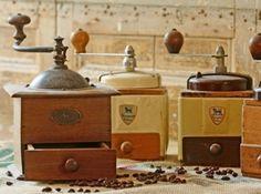 Collectionneur d'ustensiles de cuisine anciens...