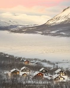 Traditional cabins on shore of lake Kilpisjärvi ✨🌾 Climbing here has always been a reach for pink hues 🌺✨🌾 Spring is getting closer ✨🌾🌺🤗… Lapland Finland, Cabins, Climbing, Closer, Traditional, Mountains, Spring, Nature, Travel