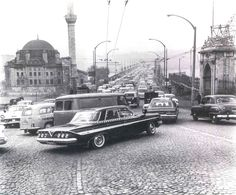 Unkapanı (Ataturk) bridge in 1960 and located in the mosque Sokollu Mehmet Pasha mosque on the left. Old Pictures, Old Photos, Riva Boat, Ottoman Empire, Historical Pictures, Istanbul Turkey, Antique Photos, Mosque, Once Upon A Time