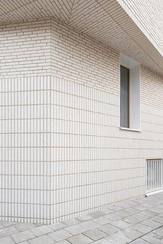 Concrete Facade, Brick Facade, Brick Architecture, Interior Architecture, Stone Floor Texture, Brick Crafts, Glazed Brick, Exterior Cladding, Brick And Stone