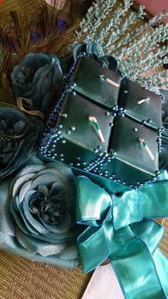 Swarovski Crystals, Gloves, Gift Wrapping, Leather, Gifts, Paper Wrapping, Wrapping Gifts, Gift Packaging, Favors