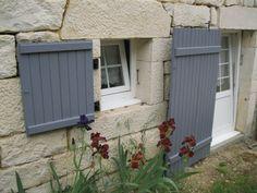 peinture pour volets sur pinterest volets vieux volets et volets r cup r s. Black Bedroom Furniture Sets. Home Design Ideas