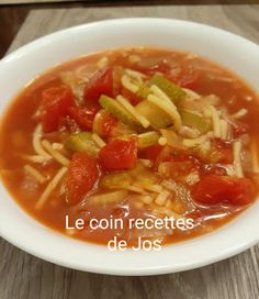 Canadian Food, Canadian Recipes, Thai Red Curry, Chili, Favorite Recipes, Ethnic Recipes, French, Cream Soups, Bon Appetit