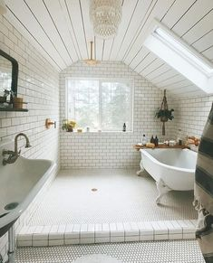 """Better Homes & Gardens on Instagram: """"Bath or shower? How about both? ❤️ What a cool concept! Tag a couple friends who would LOVE this bathroom. : @saraparsons"""" #homedecorideas"""