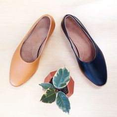Osborn Shoes: Hand crafted simple handsome leather flats in Dune (brown) or Clarity (black). Available at Ali Golden in Oakland!