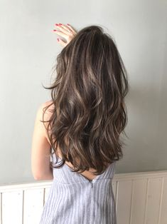 Long Wavy Ash-Brown Balayage - 20 Light Brown Hair Color Ideas for Your New Look - The Trending Hairstyle Brown Hair Shades, Light Brown Hair, Brown Hair Colors, Cool Brown Hair, Hair Colours, Dark Brown, Brown Hair Balayage, Hair Color Balayage, Hair Highlights