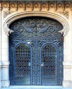 Barcelona - Diagonal 411 d   Flickr - Photo Sharing!