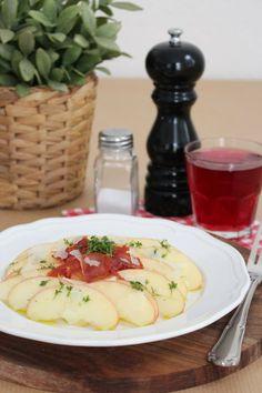 Apfelscheiben mit gebratenem Serrano und Pecorino {Tschüss Kartoffel & Co.}