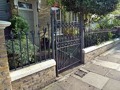 Chelsea Brick Walls and Rails - Garden Design London Chelsea Kensington Belgravia