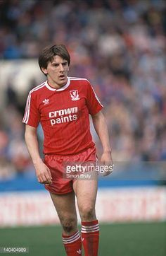 Liverpool FC footballer Peter Beardsley during the FA Cup semifinal against Nottingham Forest at Hillsborough Sheffield April 1988 Liverpool won 21 Liverpool Fc, Liverpool Legends, Liverpool Football Club, Football Team, Sheffield, Peter Beardsley, Nottingham Forest, Football Pictures, Fa Cup