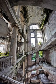 Architecture - Abandoned Places - The Palace of Prince Smetsky built in 1913 - Abkhazia, Georgia Abandoned Buildings, Abandoned Property, Abandoned Castles, Abandoned Mansions, Old Buildings, Abandoned Places, Beautiful Ruins, Beautiful Buildings, Beautiful Places