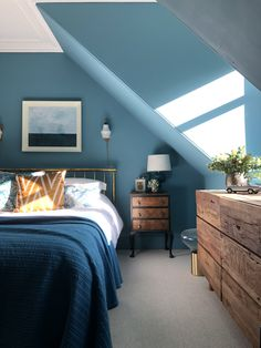 Lovely blue bedroom inspo that we found in the home of from the UK! Blue Rooms, Blue Bedroom, Bedroom Decor, Bedroom Ideas, Bedroom Inspo, Bedroom Designs, Dream Bedroom, Master Bedroom, Home Decor Furniture
