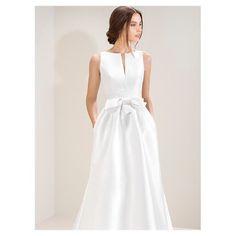 This beautiful brand is Coming to our store �� opening september 2017 @ Hasselt #jesuspeiro#wedding#weddingdress#weddingtime#bridal#bridaldress#simplewedding#lessismore#couturedress#bruidsmode#jbcouture#comingsoon#september#2018bride#hasselt#belgium#belgiumblogger#weddinggown#weddinginspiration# http://gelinshop.com/ipost/1517988682609732065/?code=BUQ-qoIBCnh