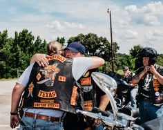 What It Was Like to Photograph the Notorious Bandidos Biker Gang Bandidos Motorcycle Club, Motorcycle Clubs, Good Morning Snoopy, Alfa Romeo Cars, Camera Shy, Bmw Series, Audi Tt, Transportation Design, Ford Gt