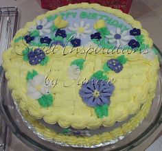 Basketweave+Cake+-+This+is+a+birthday+cake+I+made+for+my+daughter's+14th+birthday.+It+is+a+yellow+cake+with+buttercream+filling+and+icing+with+royal+flowers.+++This+is+my+first+picture+that+I+have+posted.