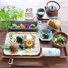 いいね!6,550件、コメント71件 ― こころのたねYasuyoさん(@kokoronotane)のInstagramアカウント: 「❁.*⋆✧°.*⋆✧❁ Today's lunch. ・ 今日の寄せて集めてお昼ごはん。 四角い器も寄せ集めてみました▪️◻︎ ・ お品書き(作り置きおかずから) 1.たまごinミートローフ…」